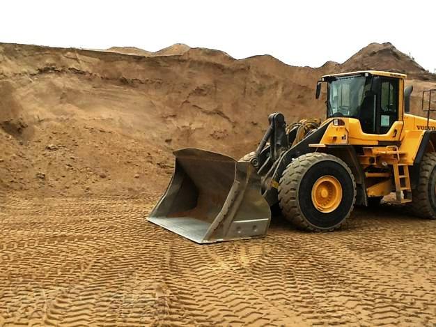 Какой песок стоит использовать для возведения фундамента